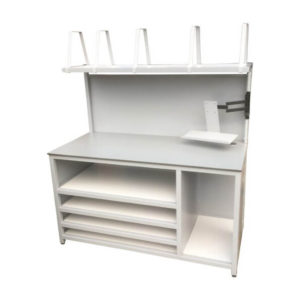 Versatile Packing Station With Monitor Arm