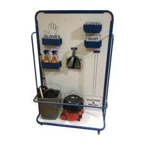 Cleaning Station With Bucket Bar